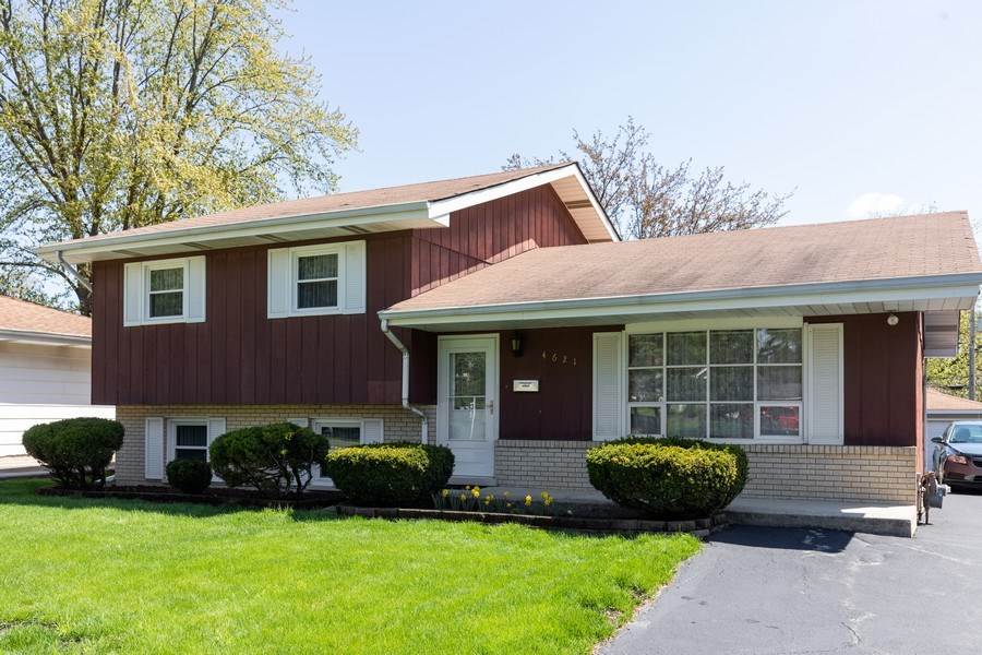 Real Estate Photography - 4621 Belmont Road, Downers Grove, IL, 60515 - Front View