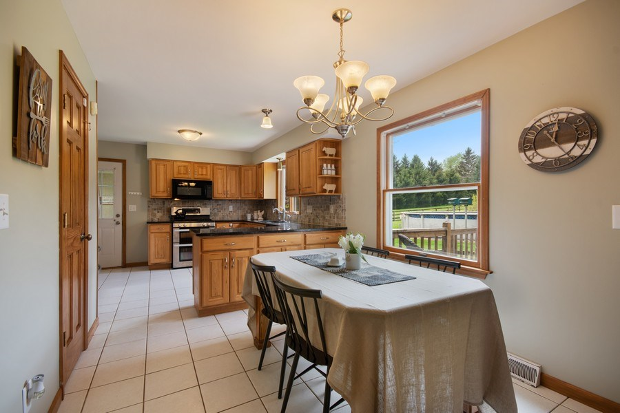Real Estate Photography - 6N448 PINTO Lane, St. Charles, IL, 60175 - Kitchen