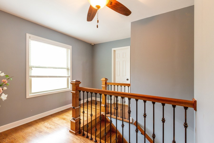 Real Estate Photography - 5321 W. Shore Drive, Mchenry, IL, 60050 - Loft