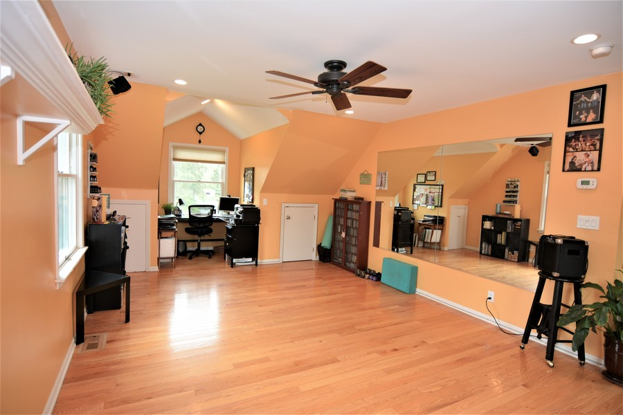 Real Estate Photography - 24740 W. Miller Road, Barrington, IL, 60010 - Dance Studio/Art Studio or ???