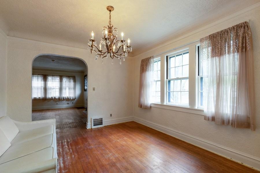 Real Estate Photography - 442 E. Lincoln Avenue, Libertyville, IL, 60048 - Dining Room - Alternate View