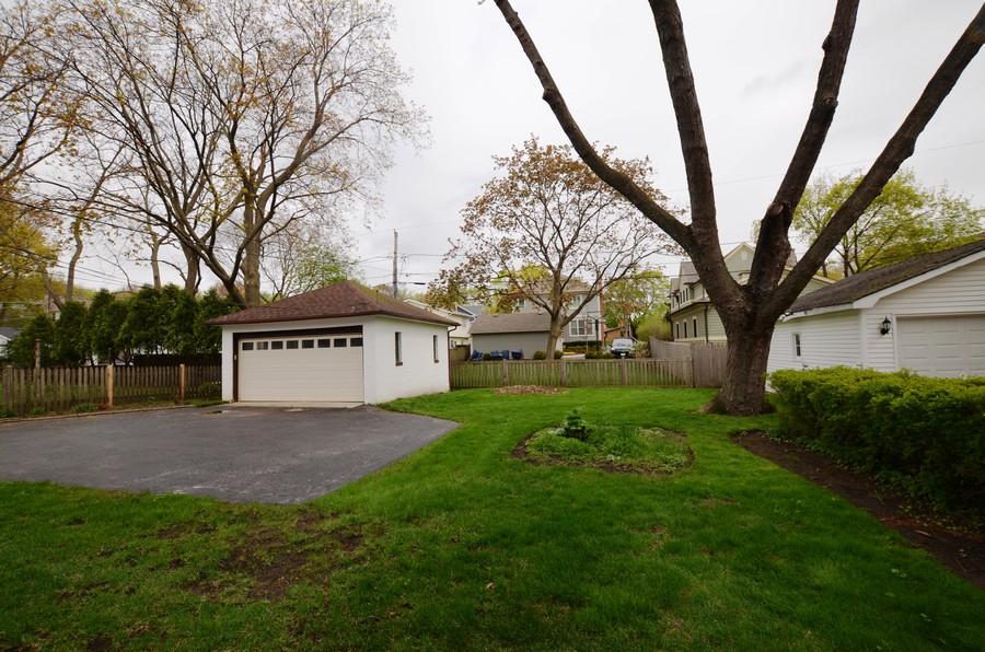 Real Estate Photography - 442 E. Lincoln Avenue, Libertyville, IL, 60048 - Backyard
