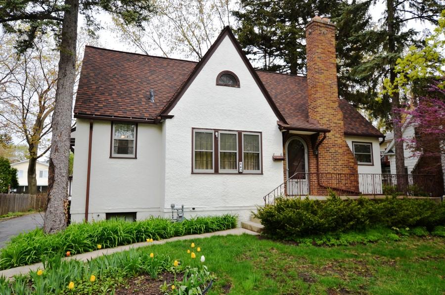Real Estate Photography - 442 E. Lincoln Avenue, Libertyville, IL, 60048 - Front