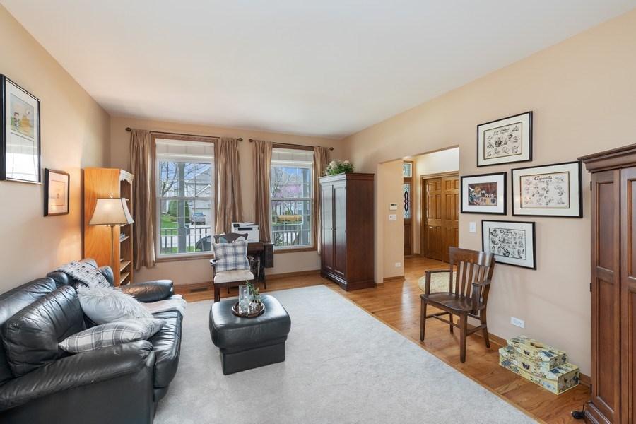 Real Estate Photography - 1229 S. Patrick Lane, Palatine, IL, 60067 - Living Room