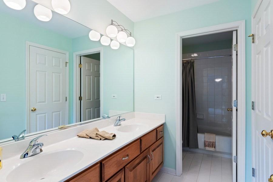 Real Estate Photography - 1229 S. Patrick Lane, Palatine, IL, 60067 - Jack & Jill Bathroom