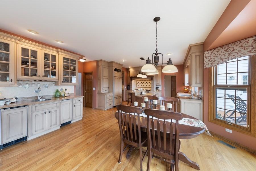 Real Estate Photography - 1229 S. Patrick Lane, Palatine, IL, 60067 - Kitchen / Breakfast Room