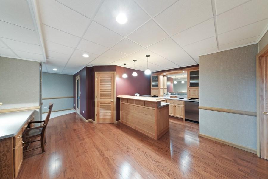 Real Estate Photography - 1229 S. Patrick Lane, Palatine, IL, 60067 - Bar