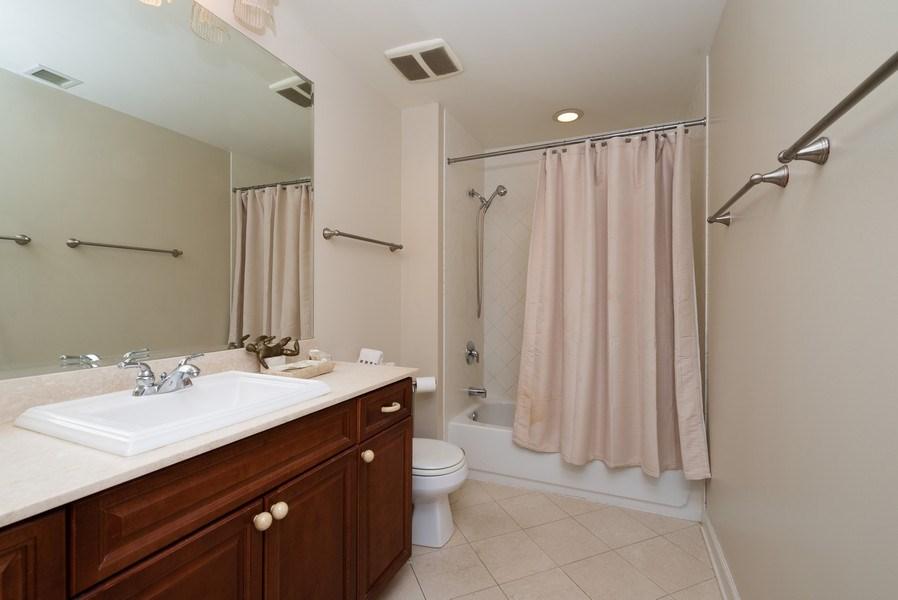 Real Estate Photography - 1841 S. Calumet Avenue, Unit 807, Chicago, IL, 60616 - 2nd Bathroom
