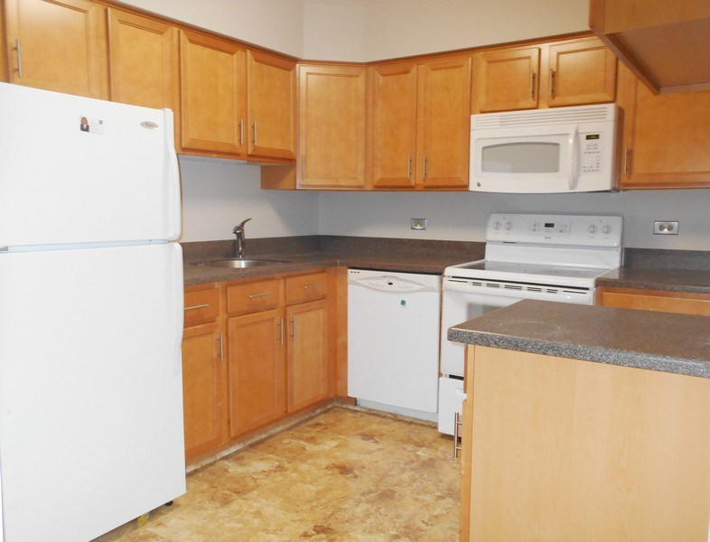 Real Estate Photography - 884 S. PLum Grove Road, Unit 111, Palatine, IL, 60067 -