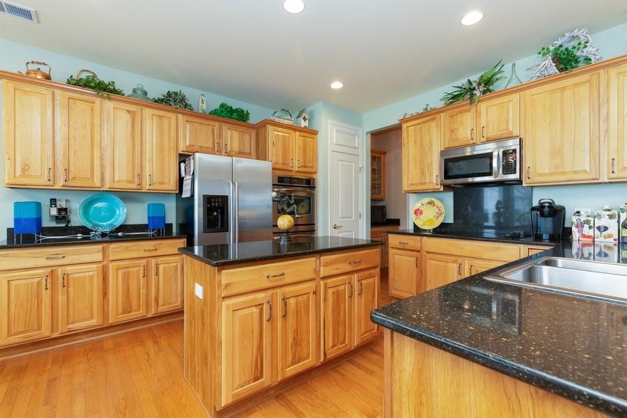 Real Estate Photography - 14082 Francesca Cove, Huntley, IL, 60142 - Kitchen