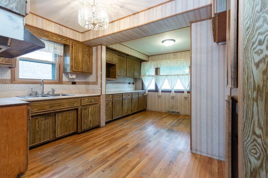 Real Estate Photography - 6834 S. Tripp Avenue, Chicago, IL, 60629 - Kitchen