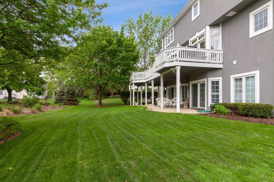 Real Estate Photography - 2S375 Canterbury Court, Glen Ellyn, IL, 60137 - Back Yard