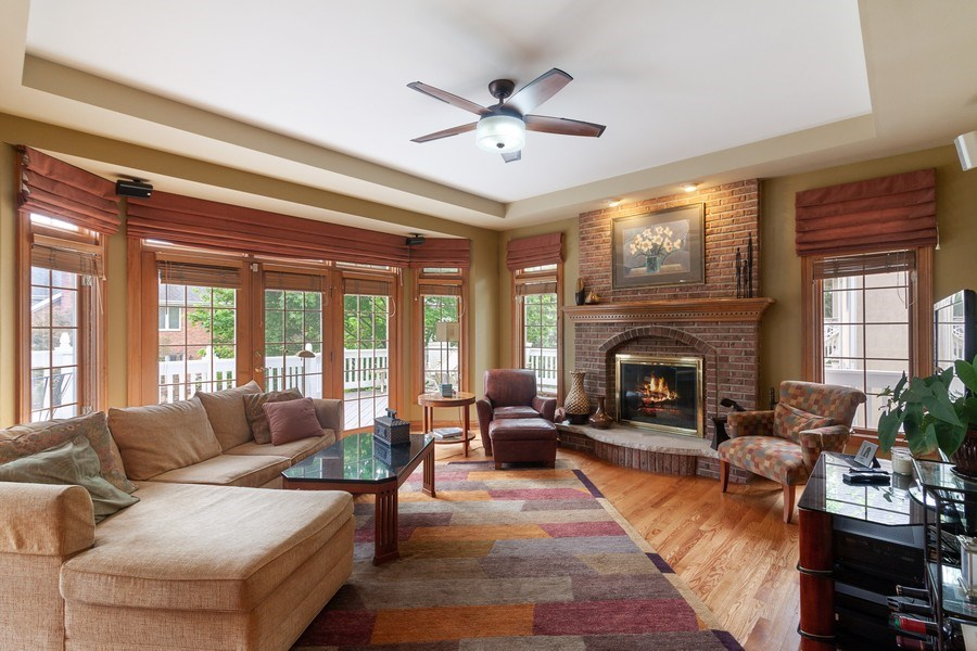 Real Estate Photography - 2S375 Canterbury Court, Glen Ellyn, IL, 60137 - Family Room