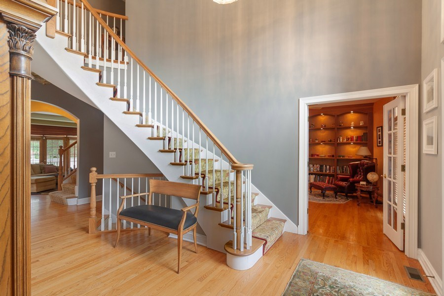 Real Estate Photography - 2S375 Canterbury Court, Glen Ellyn, IL, 60137 - Foyer