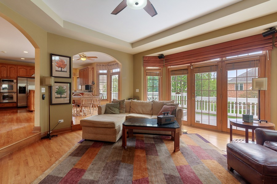 Real Estate Photography - 2S375 Canterbury Court, Glen Ellyn, IL, 60137 - Family Room / Kitchen
