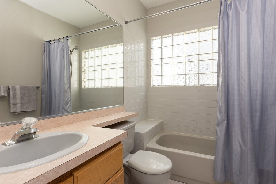 Real Estate Photography - 1003 Arbor Court, Mount Prospect, IL, 60056 - 2nd Bathroom