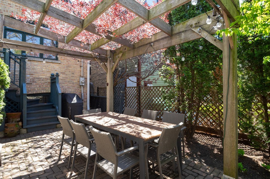 Real Estate Photography - 4220 N. Hermitage Avenue, Chicago, IL, 60613 - Patio
