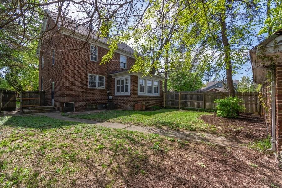 Real Estate Photography - 225 West Ogden Ave, Naperville, IL, 60540 - Back Yard