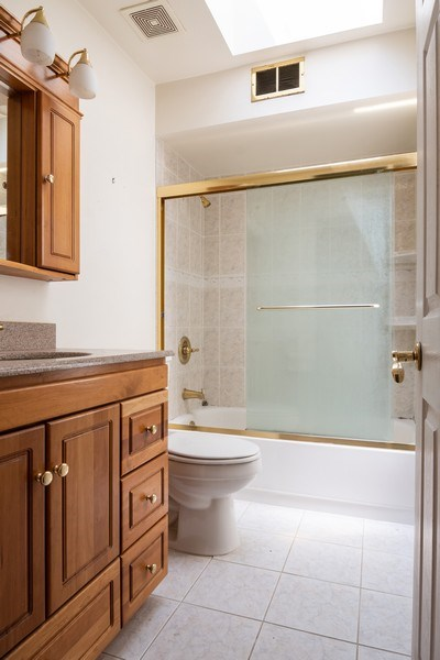 Real Estate Photography - 1731 Grove Street, Glenview, IL, 60025 - Bathroom
