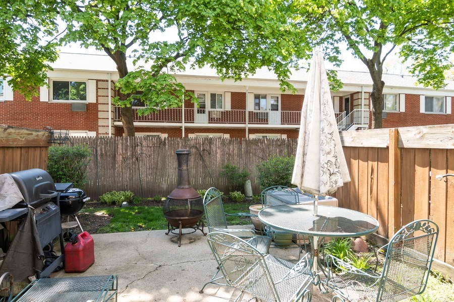 Real Estate Photography - 1731 Grove Street, Glenview, IL, 60025 - Patio