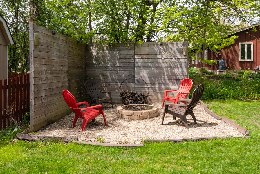 Real Estate Photography - 1030 Viking Court, Batavia, IL, 60510 - Back Yard