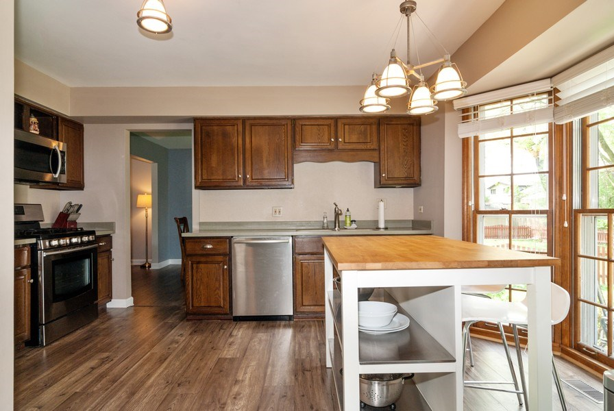 Real Estate Photography - 1030 Viking Court, Batavia, IL, 60510 - Kitchen