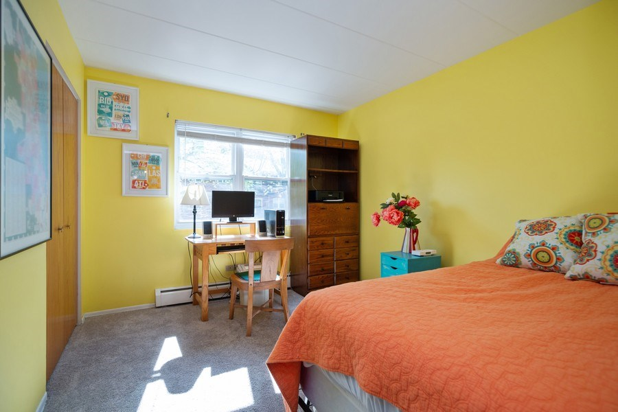 Real Estate Photography - 819 E. MINER Street, Unit 2B, Arlington Heights, IL, 60004 - Second Bedroom