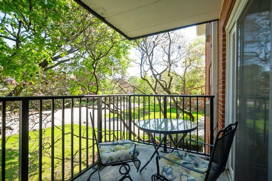 Real Estate Photography - 819 E. MINER Street, Unit 2B, Arlington Heights, IL, 60004 - Balcony