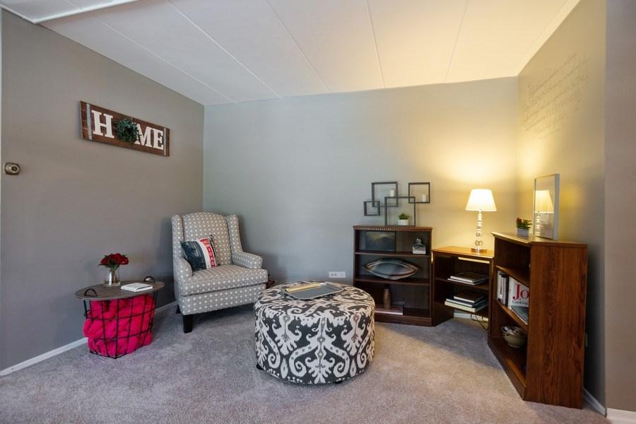 Real Estate Photography - 819 E. MINER Street, Unit 2B, Arlington Heights, IL, 60004 - Living Room