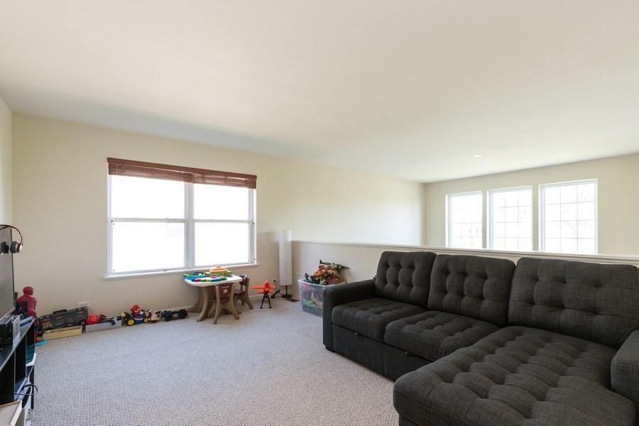 Real Estate Photography - 1312 MAYFAIR Lane, Grayslake, IL, 60030 - Loft