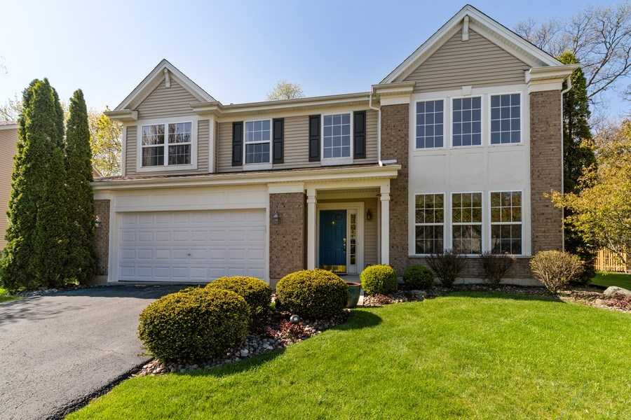 Real Estate Photography - 1312 MAYFAIR Lane, Grayslake, IL, 60030 - Front View