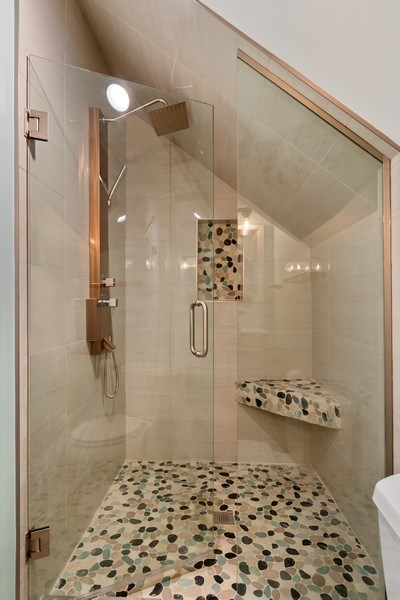 Real Estate Photography - 403 Woods Road, Des Plaines, IL, 60016 - 3rd Bathroom