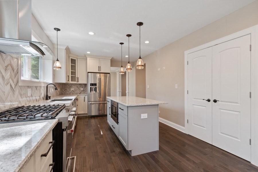 Real Estate Photography - 403 Woods Road, Des Plaines, IL, 60016 - Kitchen
