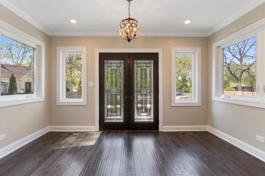Real Estate Photography - 403 Woods Road, Des Plaines, IL, 60016 -
