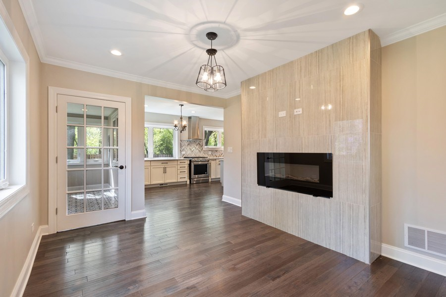 Real Estate Photography - 403 Woods Road, Des Plaines, IL, 60016 - Family Room