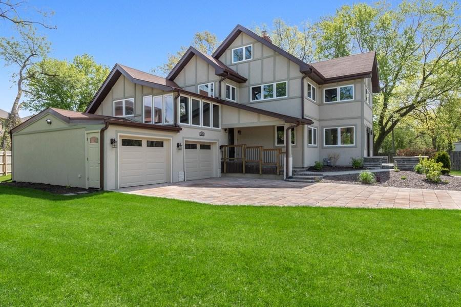 Real Estate Photography - 403 Woods Road, Des Plaines, IL, 60016 - Side View