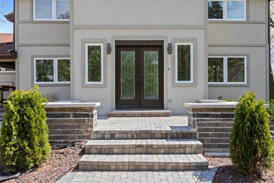 Real Estate Photography - 403 Woods Road, Des Plaines, IL, 60016 - Porch