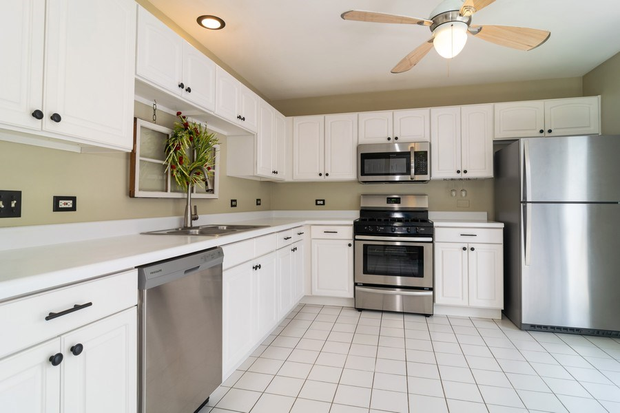 Real Estate Photography - 1661 Orchard Court, West Chicago, IL, 60185 - Kitchen