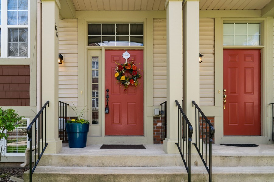 Real Estate Photography - 1661 Orchard Court, West Chicago, IL, 60185 - Entryway