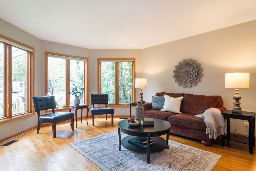 Real Estate Photography - 308 S Derbyshire, Arlington Heights, IL, 60004 - Living Room