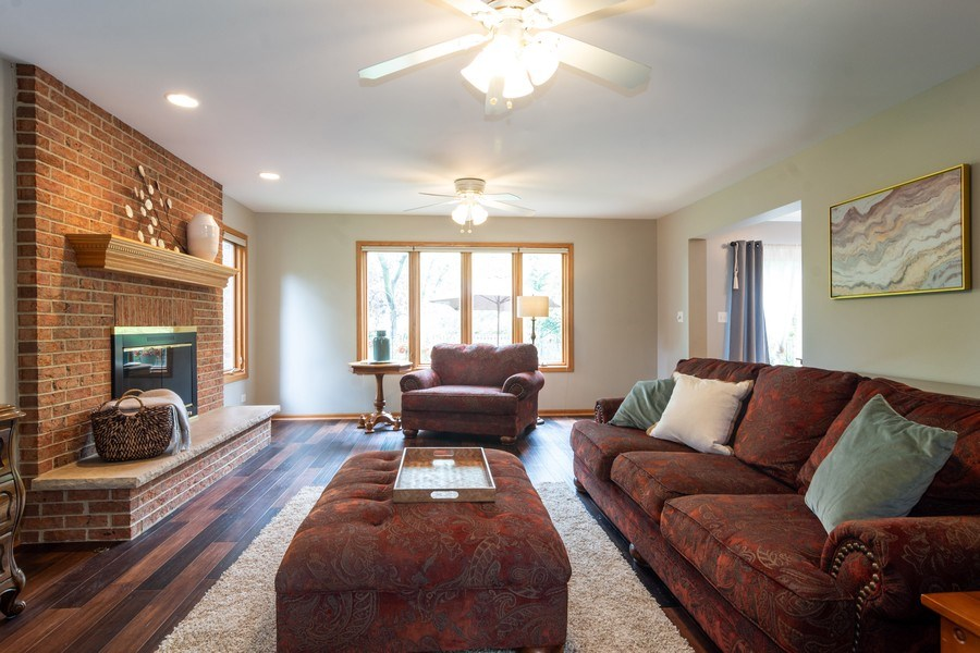 Real Estate Photography - 308 S Derbyshire, Arlington Heights, IL, 60004 - Family Room