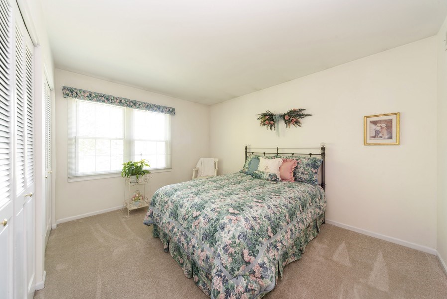 Real Estate Photography - 940 Shambliss Lane, Buffalo Grove, IL, 60089 - 2nd Bedroom