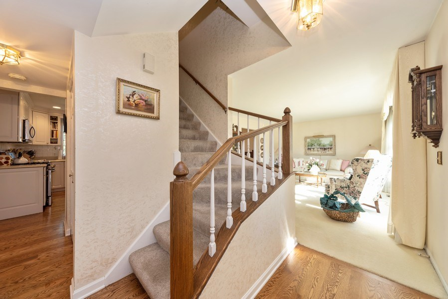 Real Estate Photography - 940 Shambliss Lane, Buffalo Grove, IL, 60089 - Foyer