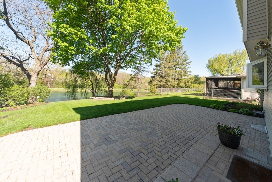 Real Estate Photography - 940 Shambliss Lane, Buffalo Grove, IL, 60089 - Patio