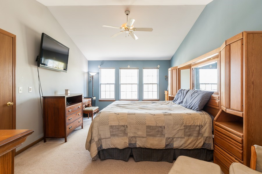 Real Estate Photography - 410 Gold Finch Circle, Lindenhurst, IL, 60046 - Master Bedroom