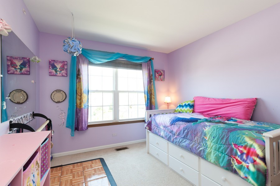 Real Estate Photography - 410 Gold Finch Circle, Lindenhurst, IL, 60046 - Bedroom