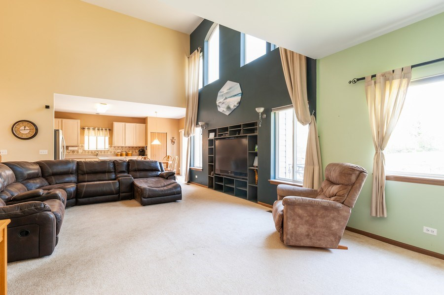 Real Estate Photography - 410 Gold Finch Circle, Lindenhurst, IL, 60046 - Family Room