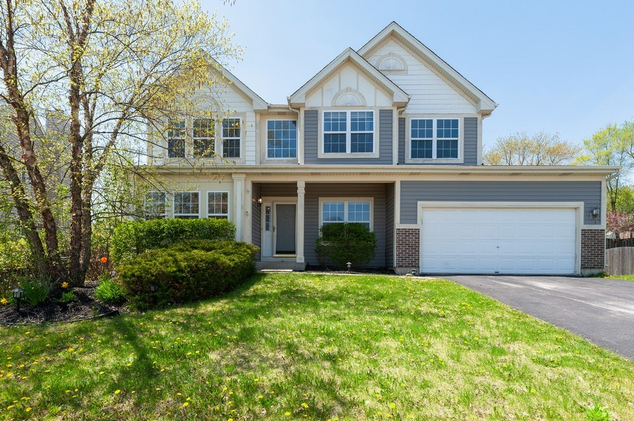Real Estate Photography - 410 Gold Finch Circle, Lindenhurst, IL, 60046 - Front View