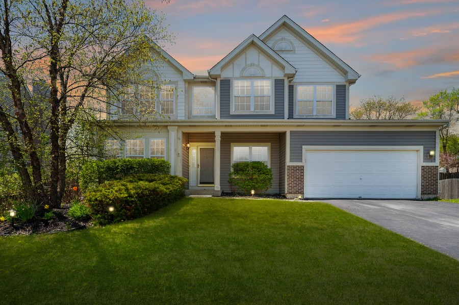 Real Estate Photography - 410 Gold Finch Circle, Lindenhurst, IL, 60046 - Exterior Front