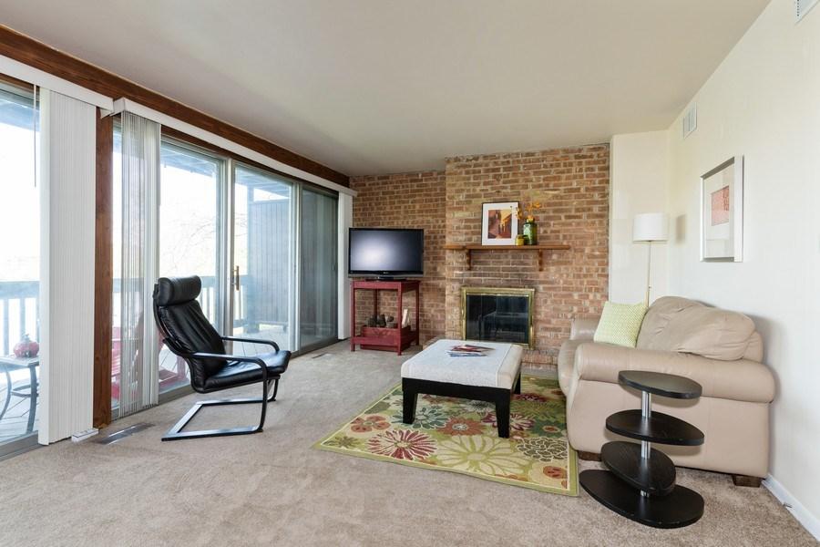 Real Estate Photography - 5544 E. Lake Drive, Unit B, Lisle, IL, 60532 - Living Room